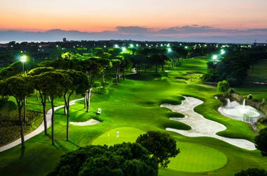 Golf Tutkusunu Gece & Gündüz Yaşayın!